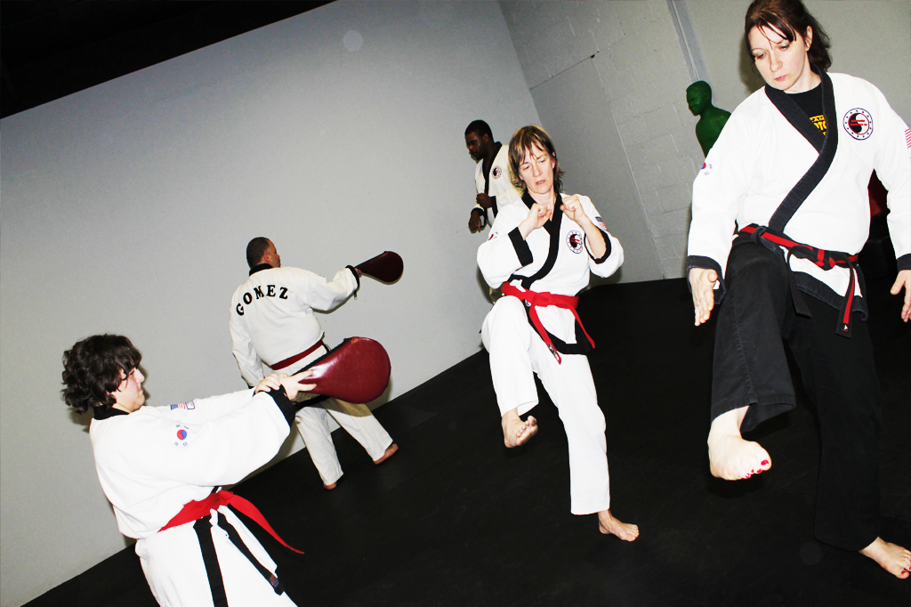 Family Karate Programs East Hartford, CT. Call (860) 289-1662